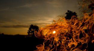 fire-689422_640
